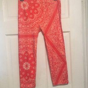 Bandana pattern leggings